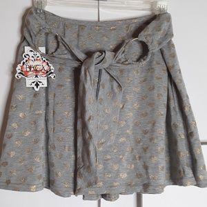 😺Becca Swim Skirt Grey w/Heart Sz M/L NWT